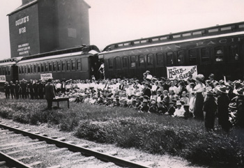 Photo, Manitoba Agricultural College Special Train, 1912