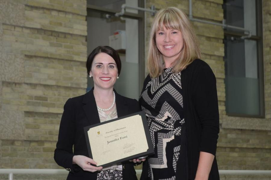 Preceptor receives teaching award.