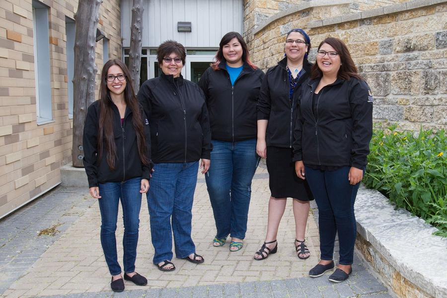 CHELSEY MEADE WITH 2016-2017 INDIGENOUS CIRCLE OF EMPOWERMENT MEMBERS CARLY MCLELLAN, MAXINE BOULANGER, TEEKCA SPENCE AND SELENA SUDERMAN
