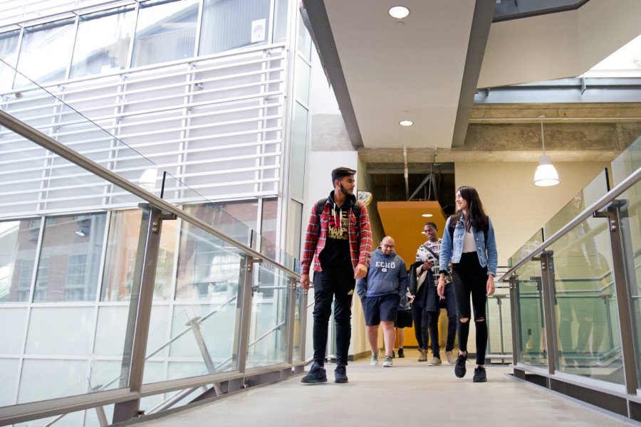 University of Manitoba students walking together to class.
